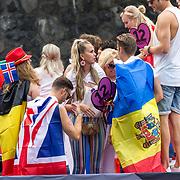 NLD/Amsterdam/20180604 - Gaypride 2018, Monique Smit en Tim Douwsma op de Eurovision boot