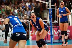 20180509 NED: Eredivisie Coolen Alterno - Sliedrecht Sport, Apeldoorn<br />Annemiek Manschot (7) of Sliedrecht Sport, Brechtje Kraaijvanger (2) of Sliedrecht Sport <br />©2018-FotoHoogendoorn.nl