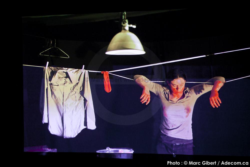 Présentation de la création de  -Haïkus de prison – Théâtre À Bout Portant (Saguenay) durant le 12e Festival de Casteliers, marionnettes pour adultes et enfants - 2017 à  Theatre Outremont / Montreal / Canada / 2017-03-12, Photo © Marc Gibert / adecom.ca