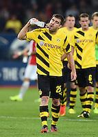 Fussball  1. Bundesliga  Saison 2014/2015  2. Spieltag FC Augsburg - Borussia Dortmund      29.08.2014 Sokratis (Borussia Dortmund) trinkt