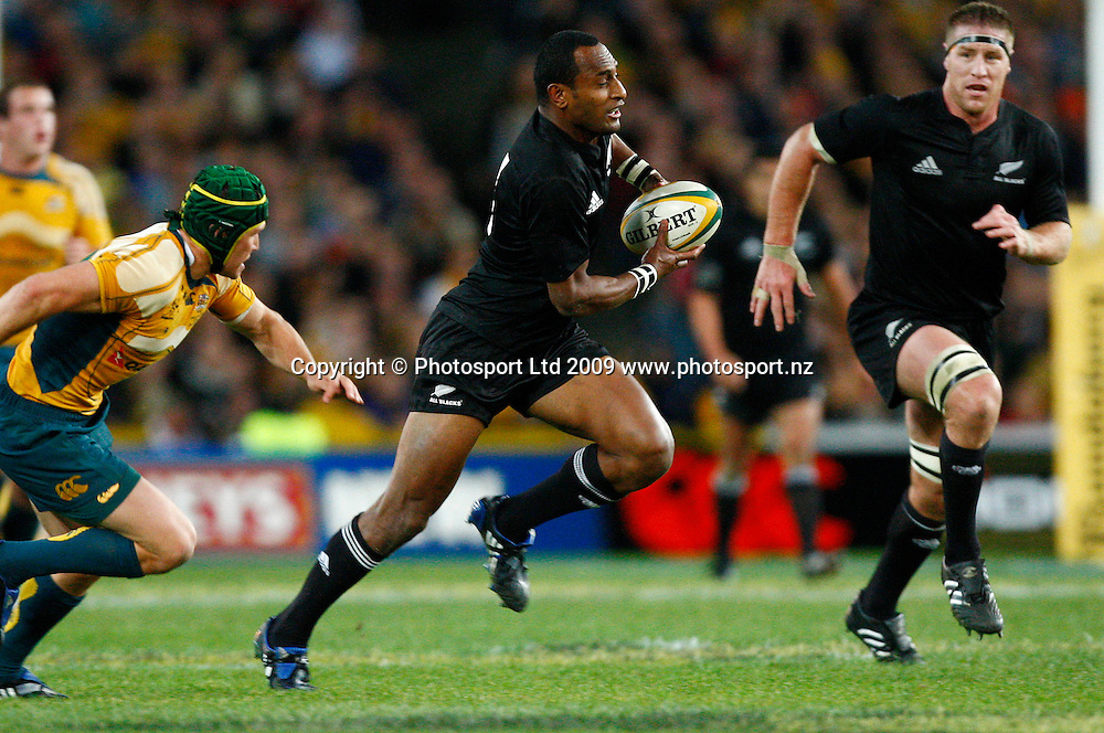 All Blacks winger Joe Rokocoko makes a break. International rugby union test match, Australia Wallabies v New Zealand All Blacks. Investec Tri-Nations, Bledisloe Cup. ANZ Stadium, Sydney, Australia. Saturday 22 August 2009. Photo: Simon Watts/PHOTOSPORT