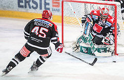 13.12.2015, Tiroler Wasserkraft Arena, Innsbruck, Österreich, EBEL, HC TWK Innsbruck die Haie vs HC Orli Znojmo, 30. Runde, im Bild vl.:  David Schuller (HC TWK Innsbruck Die Haie), Andy Chiodo (HC TWK Innsbruck Die Haie) // during the Erste Bank Icehockey League 30th round match between HC TWK Innsbruck  die Haie and HC Orli Znojmo at the Tiroler Wasserkraft Arena in Innsbruck, Austria on 2015/12/13. EXPA Pictures © 2015, PhotoCredit: EXPA/ Jakob Gruber