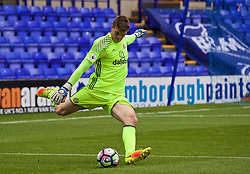 BIRKENHEAD, ENGLAND - Sunday, September 25, 2016: Sunderland's goalkeeper Maksymilian Stryjek in action against Liverpool during the FA Premier League 2 Under-23 match at Prenton Park. (Pic by Concepcion Valadez/Propaganda)