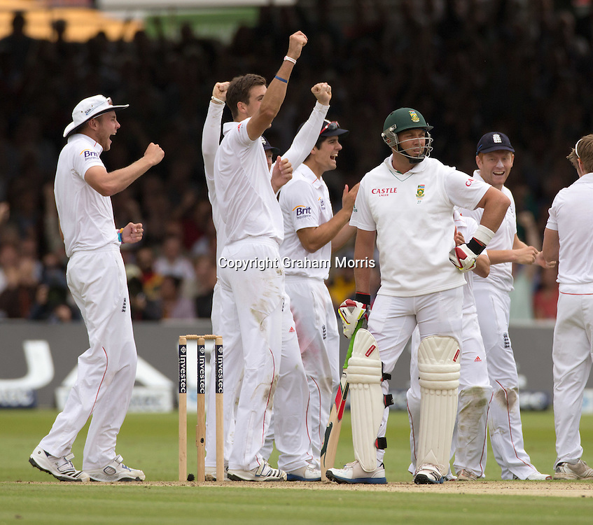 Celebrations as Jacques Kallis (centre) is finally given out to Steven Finn (left) during the third and final Investec Test Match between England and South Africa at Lord's Cricket Ground, London. Photo: Graham Morris (Tel: +44(0)20 8969 4192 Email: sales@cricketpix.com) 16/08/12