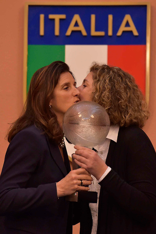 DESCRIZIONE : Roma Basket Day Hall of Fame 2014<br /> GIOCATORE : Mara Fullin Sandra Palombarini<br /> SQUADRA : FIP Federazione Italiana Pallacanestro <br /> EVENTO : Basket Day Hall of Fame 2014<br /> GARA : Roma Basket Day Hall of Fame 2014<br /> DATA : 22/03/2015<br /> CATEGORIA : Premiazione<br /> SPORT : Pallacanestro <br /> AUTORE : Agenzia Ciamillo-Castoria/GiulioCiamillo