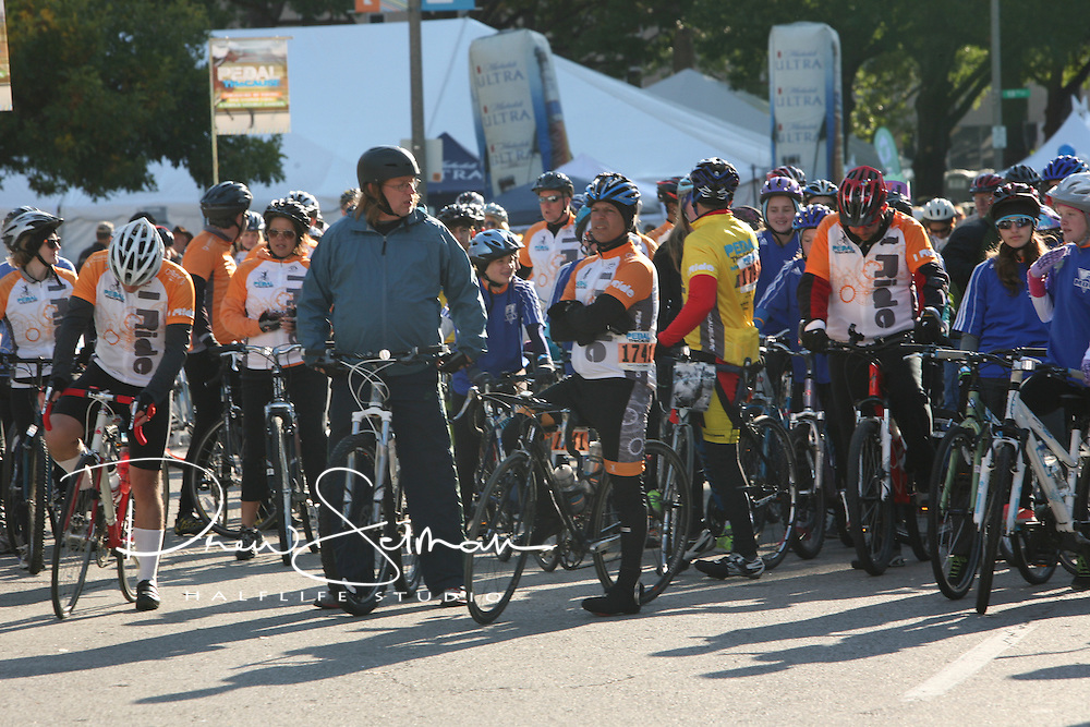Pedal the Cause 2012.Veterans Memorial.St. Louis, MO.07-OCT-2012..Credit: Krystal Brewer / Halflife Studio