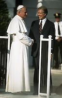 1979, Washington, DC, USA --- President Carter and Pope John Paul II --- Image by © Owen Franken/Corbis