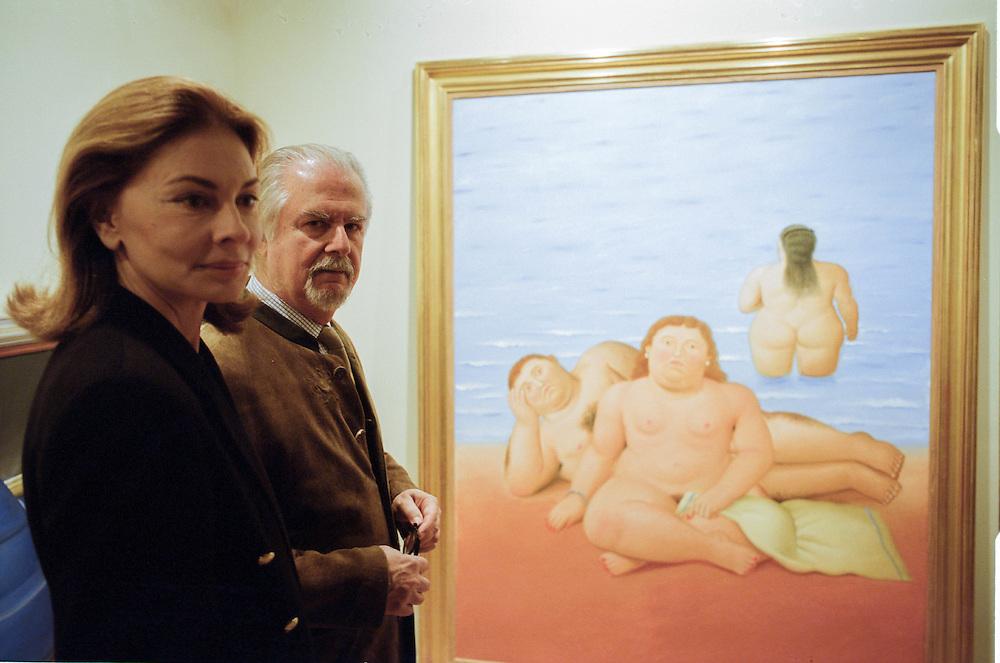 10 APR 2003 - Venezia - Fernando Botero all'allestimento della mostra in Palazzo Ducale, con la moglie Sophia Vari
