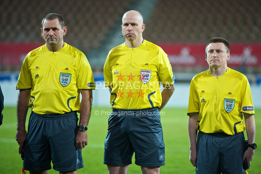HELSINKI, FINLAND - Friday, October 9, 2009: Referee David Mckeon (Ireland) with assistants Martin Moloney and David Wogan before the UEFA Under-21 Championship Qualifying Round Group 4 match between Finland and the Netherlands at the Finnair Stadium. (Pic by David Rawcliffe/Propaganda)