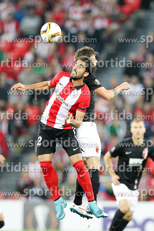 17.09.2015, Estadio San Mames, Bilbao, ESP, UEFA EL, Athletic Club vs FC Augsburg, Gruppe L, im Bild l-r: im Zweikampf, Aktion, Kopfballduell mit Raul Garcia #22 (Athletic Bilbao) und Daniel Baier #10 (FC Augsburg) // during UEFA Europa League group L match between Athletic Club Bilbao and FC Augsburg at the Estadio San Mames in Bilbao, Spain on 2015/09/17. EXPA Pictures © 2015, PhotoCredit: EXPA/ Eibner-Pressefoto/ Kolbert<br /> <br /> *****ATTENTION - OUT of GER*****
