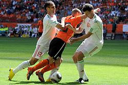 05-06-2010 VOETBAL: NEDERLAND - HONGARIJE: AMSTERDAM<br /> Nederland wint met 6-1 van Hongarije / Wesley Sneijder, Akos Elek en Janos Lazok<br /> ©2010-WWW.FOTOHOOGENDOORN.NL