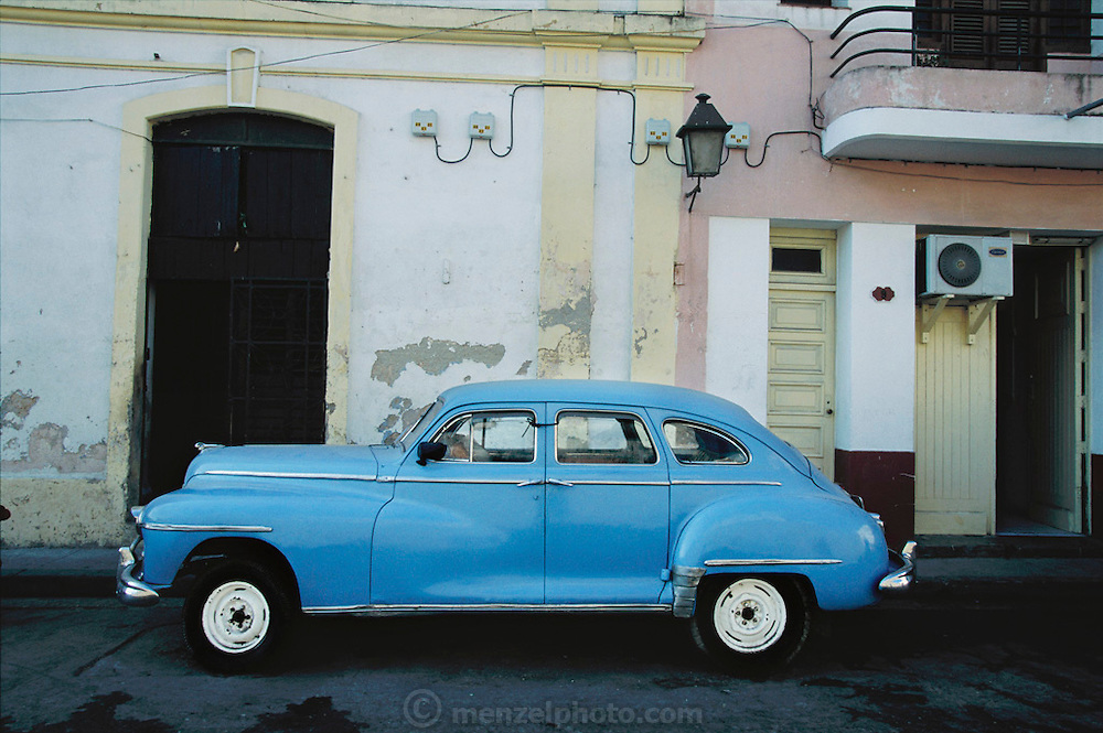 Nineteen-fifties American car in old Havana, Cuba.