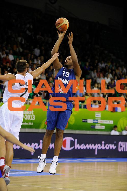 DESCRIZIONE : Lubiana Ljubliana Slovenia Eurobasket Men 2013 Preliminary Round Belgio Francia Belgium France<br /> GIOCATORE : Boris Diaw<br /> CATEGORIA : tiro shot<br /> SQUADRA : Francia France<br /> EVENTO : Eurobasket Men 2013<br /> GARA : Belgio Francia Belgium France<br /> DATA : 09/09/2013 <br /> SPORT : Pallacanestro <br /> AUTORE : Agenzia Ciamillo-Castoria/H.Bellenger<br /> Galleria : Eurobasket Men 2013<br /> Fotonotizia : Lubiana Ljubliana Slovenia Eurobasket Men 2013 Preliminary Round Belgio Francia Belgium France<br /> Predefinita :
