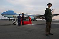 22 MAY 2002, BERLIN/GERMANY:<br /> Die Air Force Nummer One, die Praesidentenmaschine der Praesident der Vereinigten Staaten von Amerika, eine Boing 747, nach der Abfahrt des Praesidenten von einem Polizisten bewacht, auf dem militaerischen Teil Flughafen Berlin-Tegel<br /> IMAGE: 20020522-02-017<br /> KEYWORDS: USA, Präsident, president, Flugzeug, plane, Praesidentenmaschine, Präsidentenmaschine, US, roter Teppich