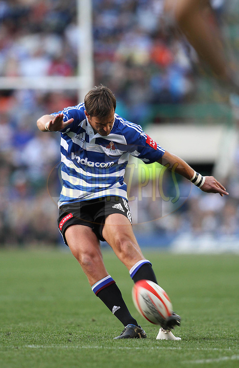 CAPE TOWN, SOUTH AFRICA - 14 AUG 2010: WP flyhalf Willem de Waal kicks a penalty during the ABSA Currie Cup match between Vodacom Western Province and The Vodacom Blue Bulls held at Newlands Stadium Cape Town, South Africa. Photo by Shaun Roy/Sportzpics.net