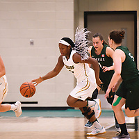 2nd year guard Kyia Giles (6) of the Regina Cougars during the Women's Basketball pre-season game on October 14 at Centre for Kinesiology, Health and Sport. Credit: Arthur Ward/Arthur Images