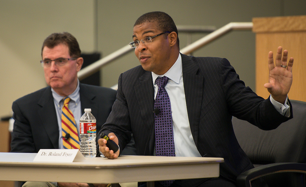 Harvard economist Dr. Roland Fryer presents a third year report on the effects of the Apollo 20 program on Houston ISD students, October 23, 2013.