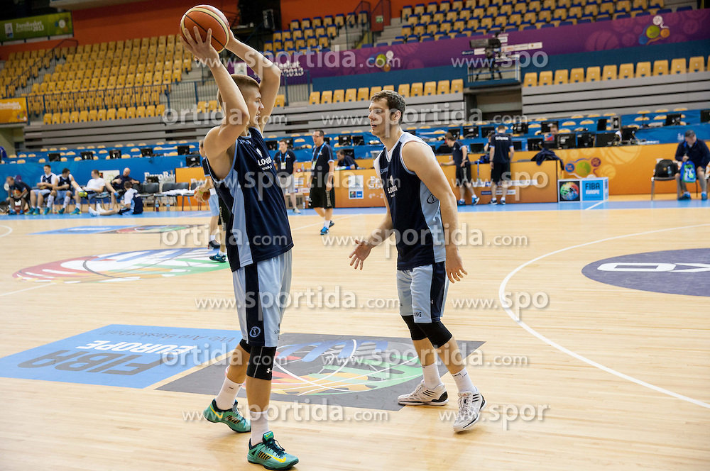 Edo Muric of Slovenia vs Goran Dragic of Slovenia at practice session 1 day before the beginning of Eurobasket 2013 on September 3, 2013 in Arena Zlatorog, Celje, Slovenia. (Photo by Vid Ponikvar / Sportida.com)