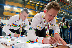 DE VRIES Stephen Pilot:  BOS Patrick, NED, Pursuit Finals , 2015 UCI Para-Cycling Track World Championships, Apeldoorn, Netherlands