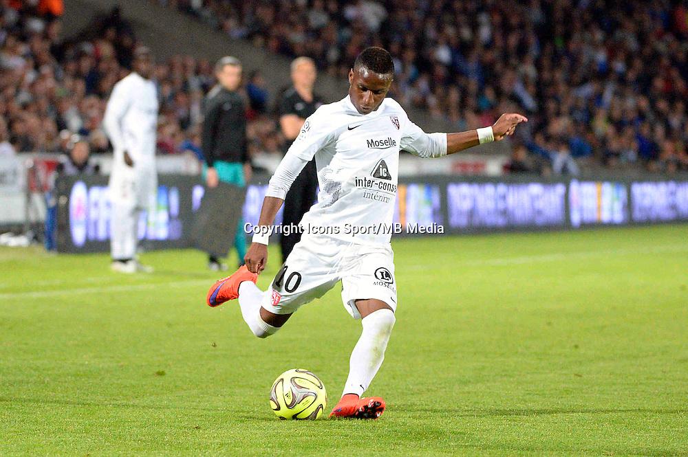 Bouna SARR - 25.04.2015 - Bordeaux / Metz - 34eme journee de Ligue 1<br />Photo : Caroline Blumberg / Icon Sport