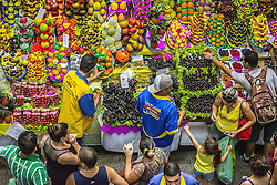 December 11, 2016 - Sao Paulo, Sao Paulo, Brazil - Daily life at the Municipal Market (Mercadao), in Sao Paulo, Brazil for the purchase of ingredients in the morning of this Sunday, 11 December 2016. In addition to the items of vegetables, butcher, fishmonger and emporium (national and imported) gathered in a single space, also has restaurants and snack bars that offer chips with the city's face. (Credit Image: © Cris Faga/NurPhoto via ZUMA Press)