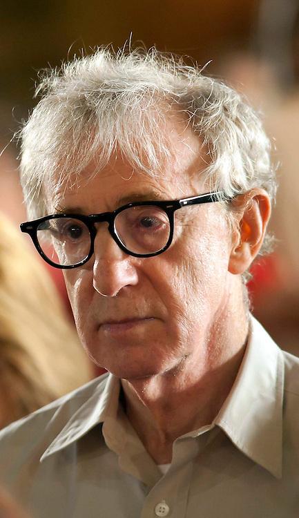 Roma 9 Agosto  2011.Il set del  film The Bob Decameron di Woody Allen, a Piazza della Repubblica.Woody Allen sul set del film