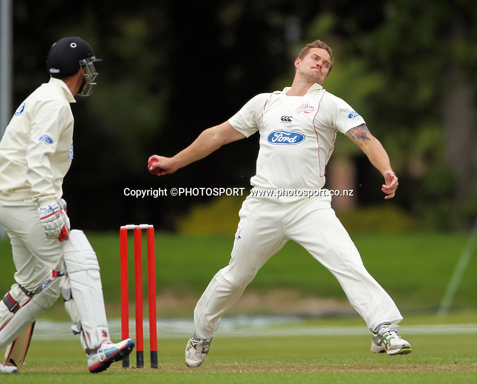 Gareth Andrew bowling for Canterbury. Plunket Shield Cricket, Day 1 of the 4 Day match between Canterbury Wizards v Wellington Firebirds. Played at Mainpower Oval, Rangiora, Monday 19 November 2012. Photo : Joseph Johnson/photosport.co.nz