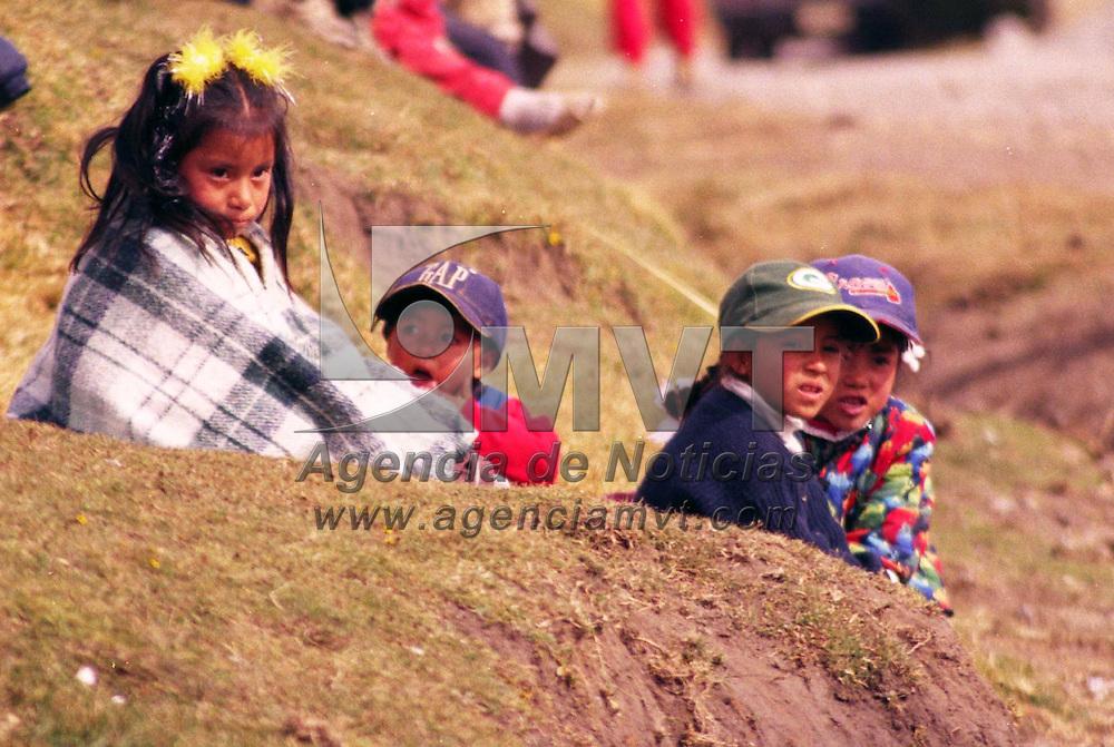 Toluca, M&eacute;x.- Continuan las bajas temperaturas en las zonas aleda&ntilde;as al nevado de Toluca. Agencia MVT / Arturo Rosales Ch&aacute;vez. (FILM)<br /> <br /> NO ARCHIVAR - NO ARCHIVE