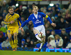 LIVERPOOL, ENGLAND - Thursday, December 17, 2009: Everton's Tony Hibbert and FC BATE Borisov's Maksim Skavysh during the UEFA Europa League Group I match at Goodison Park. (Pic by David Rawcliffe/Propaganda)