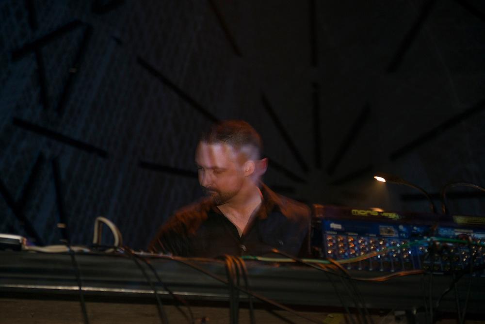 Matt Thibideau (CA), Nocturne 3, Métropolis, Montreal, 1 juin 2012