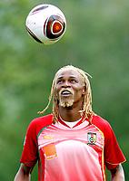 Fotball<br /> Linz Østerrike<br /> Kamerun<br /> 23.05.2010<br /> Foto: Gepa/Digitalsport<br /> NORWAY ONLY<br /> <br /> FIFA Weltmeisterschaft 2010 in Suedafrika, Vorberichte, Vorbereitung Nationalteam Kamerun, Trainingslager. <br /> <br /> Bild zeigt Rigobert Song (CMR)