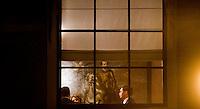 Nederland. Den Haag, 8 november 2007.<br /> Jan Peter Balkenende, minister-president, tijdens overleg op het ministerie van Algemene zaken met staatssecretaris Jan Kees de Jager en Marjolein Voslamber, de politiek assistent van de premier. Vanavond is er het wekelijkse bewindsliedenoverleg. Vanmiddag hebben de coalitiepartijen vanhet vierde kabinet Balkenende onderhandelt over het ontslagrecht<br /> Foto Martijn Beekman <br /> NIET VOOR TROUW, AD, TELEGRAAF, NRC EN HET PAROOL