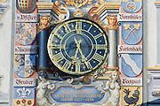 Fassade mit Uhr, Altes Rathaus, Altstadt von Lindau, Bodensee, Bayern, Deutschland