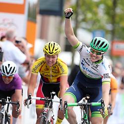 02-09-2016: Wielrennen: Ladies Tour: Den BoschDEN BOSCH (NED) wielrennenDe Australische Sarah Roy wint de etappe door het land van Heusden en Altena voor Evy Kuijpers