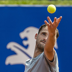 April 27, 2018 - Barcelona, Catalonia, Spain - GRIGOR DIMITROV (BUL) serves against Pablo Carreno Busta (ESP) in their quarter final of the 'Barcelona Open Banc Sabadell' 2018.  Carreno Busta won 6:3, 7:6 (Credit Image: © Matthias Oesterle via ZUMA Wire)