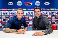 ALKMAAR - 11-05-2017, contract Marco Bizot, AFAS Stadion, Max Huiberts (r).