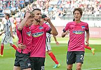 Fotball<br /> Tyskland<br /> Foto: Witters/Digitalsport<br /> NORWAY ONLY<br /> <br /> 0:1 Jubel v.l. Mitchell Weiser, Torschuetze Vedad Ibisevic, Genki Haraguchi (Berlin) <br /> Frankfurt, 24.09.2016, Fussball Bundesliga, Eintracht Frankfurt - Hertha BSC Berlin