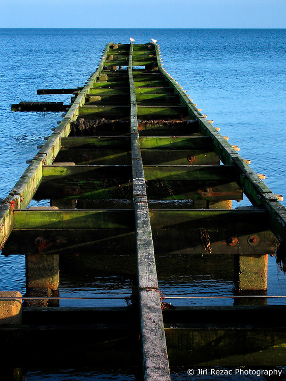 GERMANY ECKERNFOERDE 24DEC06 - Wooden pier on the Eckernfoerder Kurstrand beach in the afternoon sun. Classic Baltic sea afternoon in good winter light...jre/Photo by Jiri Rezac....© Jiri Rezac 2006