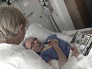 I documented my father and best friend, Cees de Jong (81 yrs) in the final days of his life and his eventual passing. 'Dad you will be always in my heart.'<br /> <br /> &quot;Ik draag je altijd bij me, thuis en op een verre reis..soms als het stil is in de chaos van het leven, voel ik je aan mijn zij, zoals een nieuw blad wappert aan een palmboom, dan voel ik dat je kijkt naar mij&quot;.