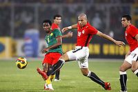 Fotball<br /> Afrika mesterskapet 2008<br /> Foto: DPPI/Digitalsport<br /> NORWAY ONLY<br /> <br /> FOOTBALL - AFRICAN CUP OF NATIONS 2008 - QUALIFYING ROUND - GROUP C - 22/01/2008 - EGYPT v CAMEROON - SAMUEL ETOO (CAM) / GOMAA KAMEL ELHAWTY (EGY)<br /> <br /> Egypt v Kamerun