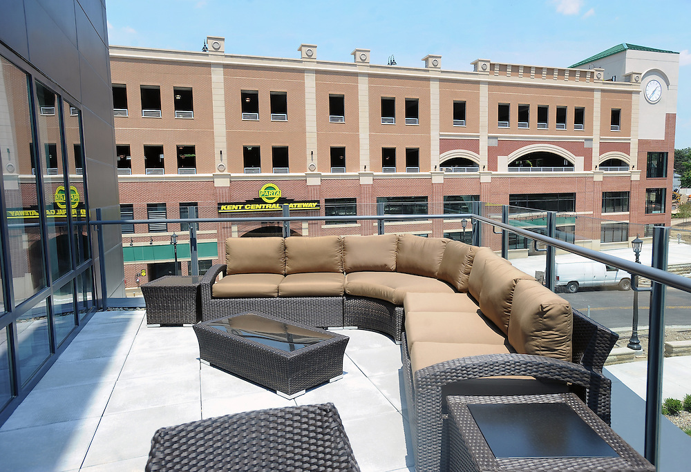 The outdoor seating area at the Kent State Hotel and Conferece Center over looks the street below in doewntown Kent.