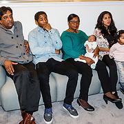 NLD/Amsterdam/20160202 - Lancering Helden magazine, Prem Radhakishun en partner Diana, Dex Elmont en partner Nalini Radhakishun met kinderen Sienna Madzy en Brett