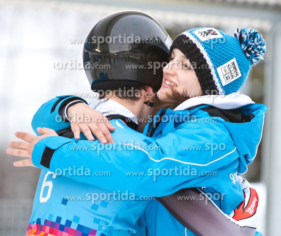 """21.01.2012, Bobbahn Igls, Innsbruck, AUT, Olympische Jugend Winterspiele, Skeleton, Herren, im Bild die beiden Silbermedaillen Gewinner aus Österreich Stefan Richard Geisler (AUT) und Carina Mair (AUT) // during the Mens Skeleton of the Winter Youth Olympic Games at the """"Bob Track Igls"""", Innsbruck, Austria on 2012/01/21, EXPA Pictures © 2012, PhotoCredit: EXPA/ Juergen Feichter"""
