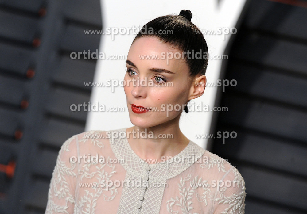 Rooney Mara arrives at the 2016 Vanity Fair Oscar Party Hosted By Graydon Carter at Wallis Annenberg Center for the Performing Arts on February 28, 2016 in Beverly Hills, California. EXPA Pictures © 2016, PhotoCredit: EXPA/ Photoshot/ Dennis Van Tine<br /><br />*****ATTENTION - for AUT, SLO, CRO, SRB, BIH, MAZ only*****
