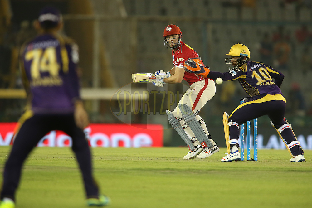 Shaun Marsh of Kings XI Punjab late cuts a delivery during match 13 of the Vivo Indian Premier League (IPL) 2016 between the Kings XI Punjab and the Kolkata Knight Riders held at the IS Bindra Stadium, Mohali, India on the 19th April 2016<br /> <br /> Photo by Shaun Roy / IPL/ SPORTZPICS
