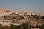 Egypt. Louxor - village on the hill next to medinet HABOU in Thebes  Louxor - Egypte    /  village de la montagne a cote Medinet Habou a Thebes  Louqsor - Egypt