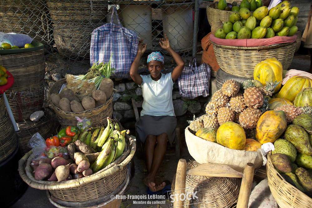 Marché de fruits de la Place St-Pierre à Pétionville.