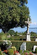 Horn, Friedhof auf der Hornspitze Höri, Blick auf Bodensee, Untersee, Baden-Württemberg, Deutschland