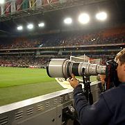 NLD/Amsterdam/20050731 - LG Amsterdam Tournament 2005, fotograaf langs de zijlijn