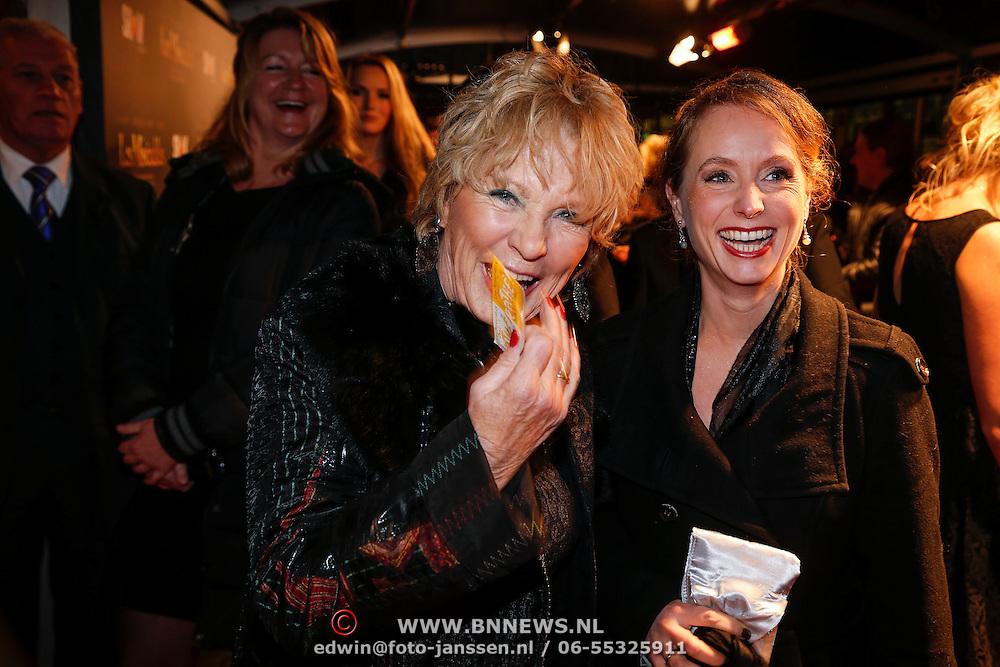 NLD/Amsterdam/20130109 - Filmpremiere Les Misarables, Ria Bremer en ????..